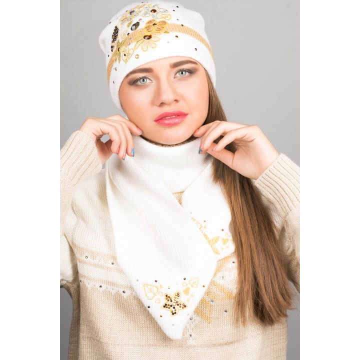 Шапка с вышивкой (белая)   оптовая цена
